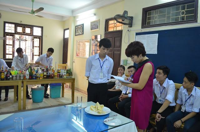 hoc nghiep vu ban bar pha che tai reach (3)